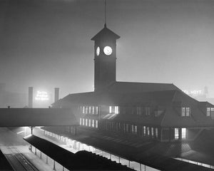 1424 Union Station in winter fog