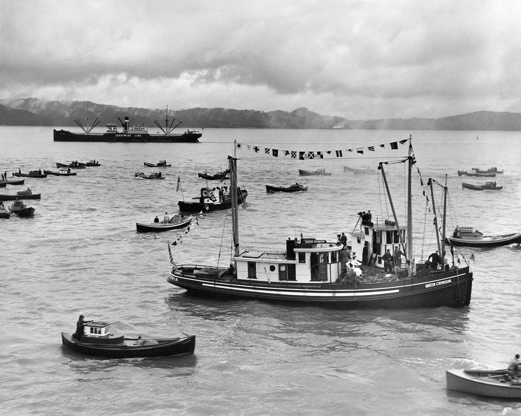 1600 Commercial salmon fishing at Astoria Oregon