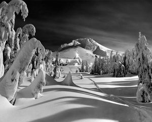 5882A Mt Hood Timberline Lodge Moonlight Oregon
