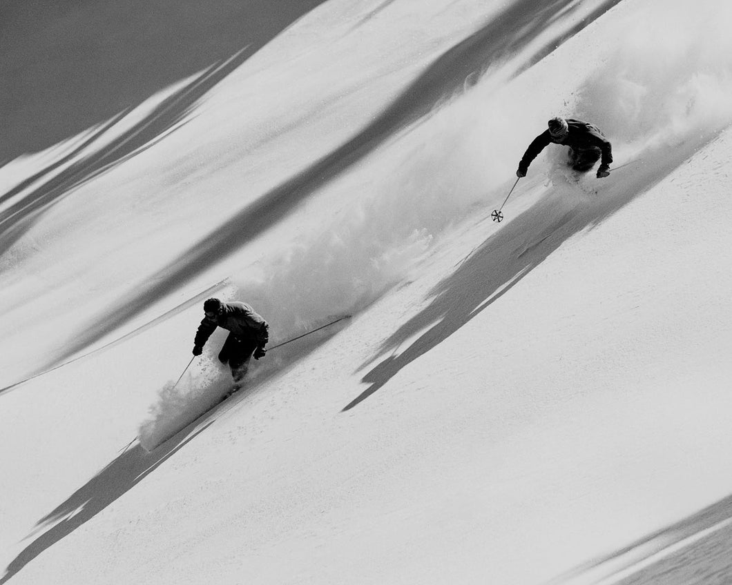 7099A Squaw Valley Powder Skiers