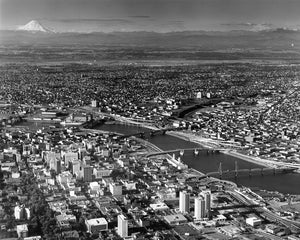 8271B Portland Willamette River and Columbia River Mt St Helens and Mt Adams