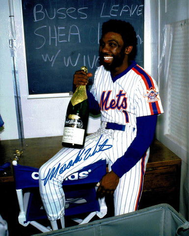 Mookie Wilson Pose 1 Signed Photo COA