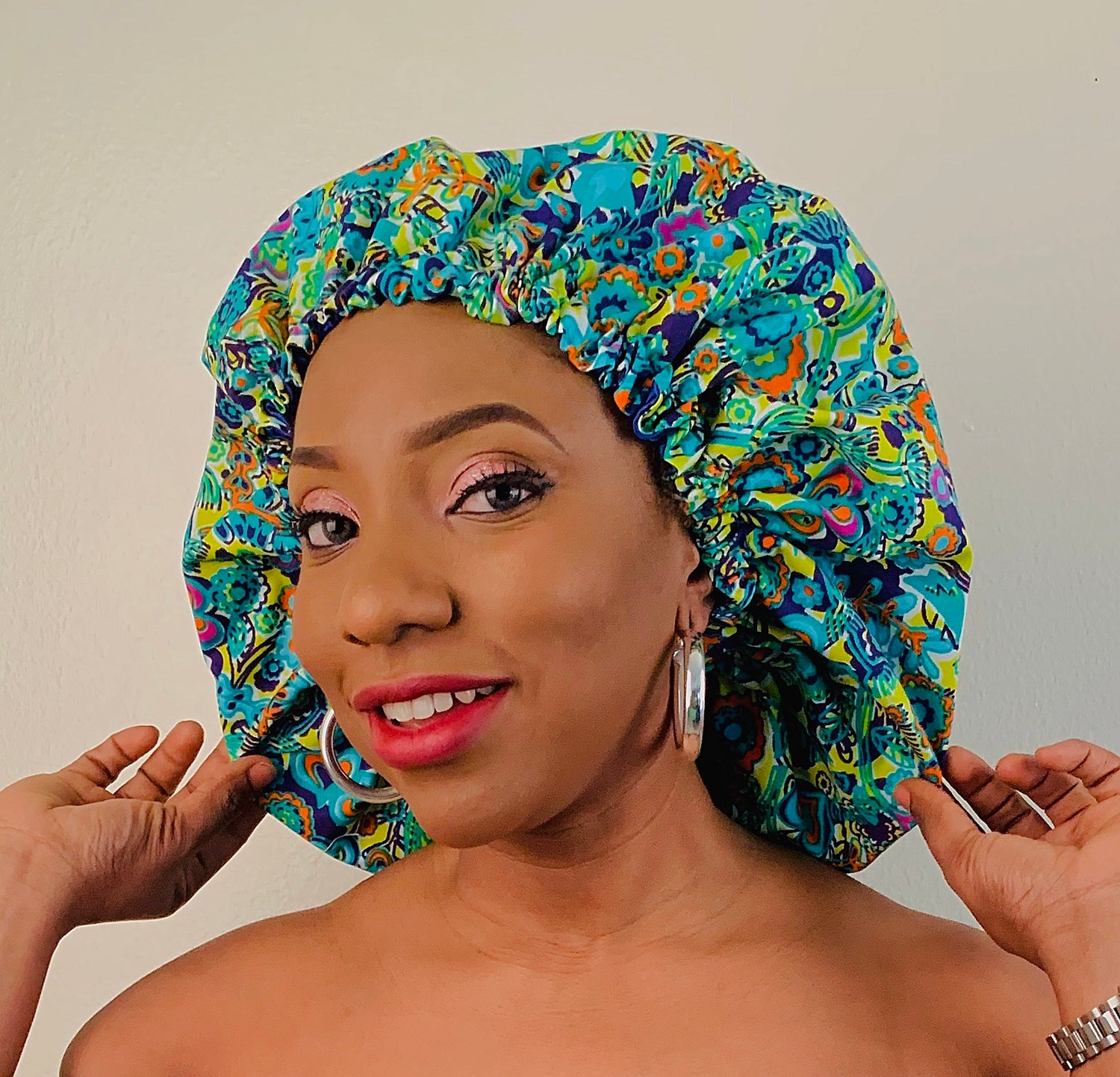AFRICAN PRINT SATIN LINED BONNET IN GREEN