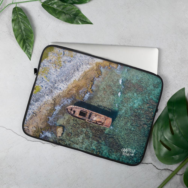 campellovision.com 15 in Shipwreck Los Roques, Campello Vision Laptop Sleeve