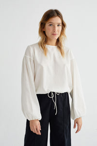Shop boann blouse white by Thinking Mu at thegreenlabels