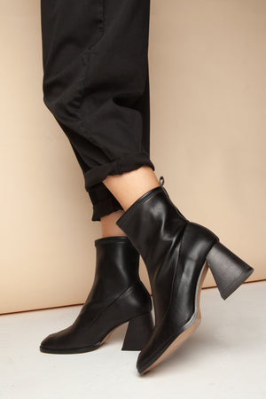 gabriela nappa black heel by Mireia Playa on thegreenlabels