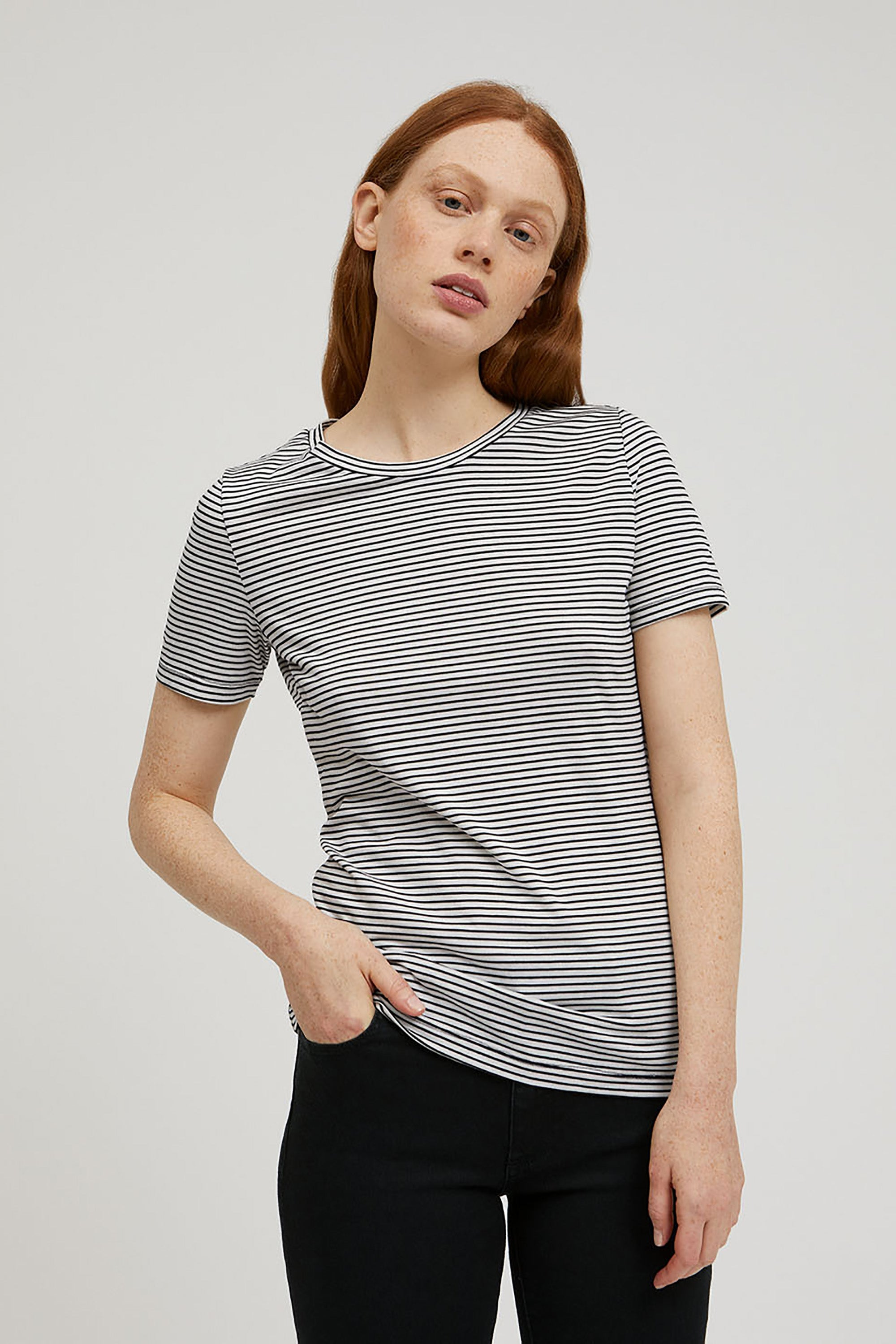 lidiaa small stripes t-shirt black oatmilk from thegreenlabels