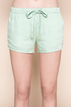 shorts mint mojo by Le Nap on thegreenlabel