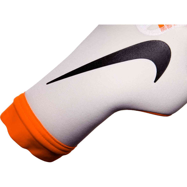 Nike Mercurial Touch Victory Gloves