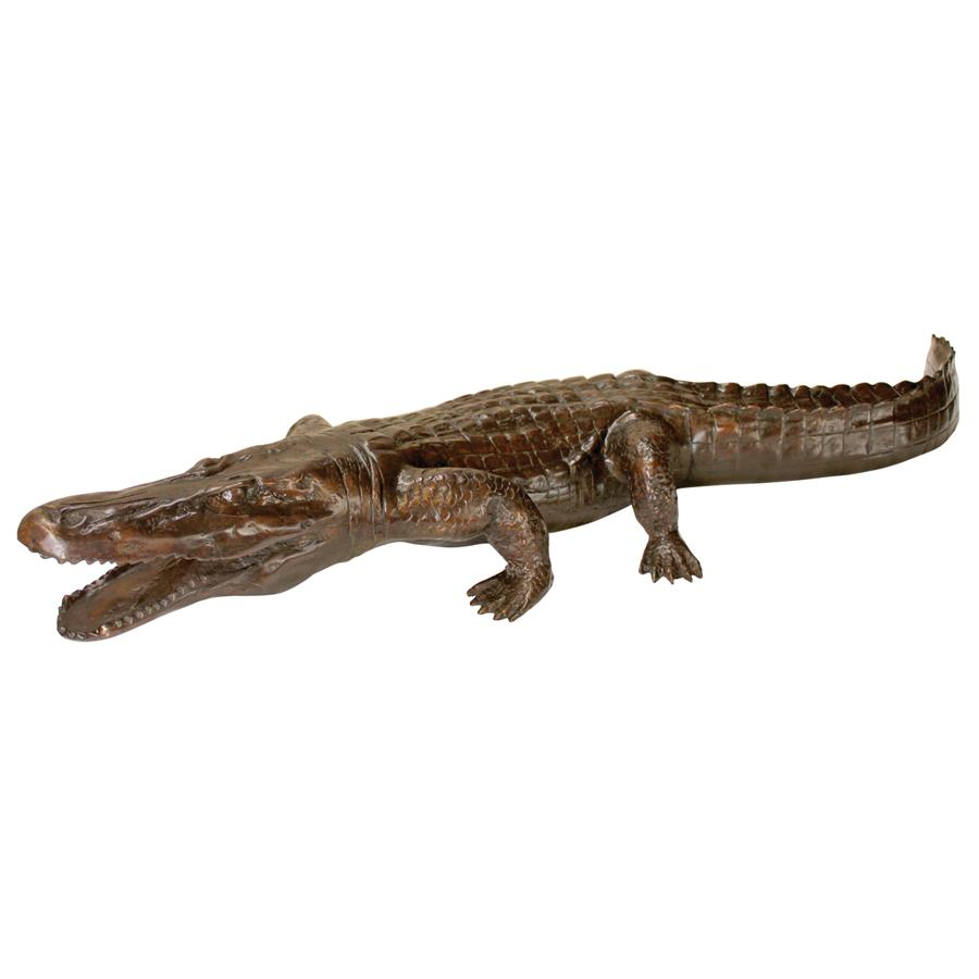 PROWLING ALLIGATOR BRONZE STATUE(Available 12/07/18)