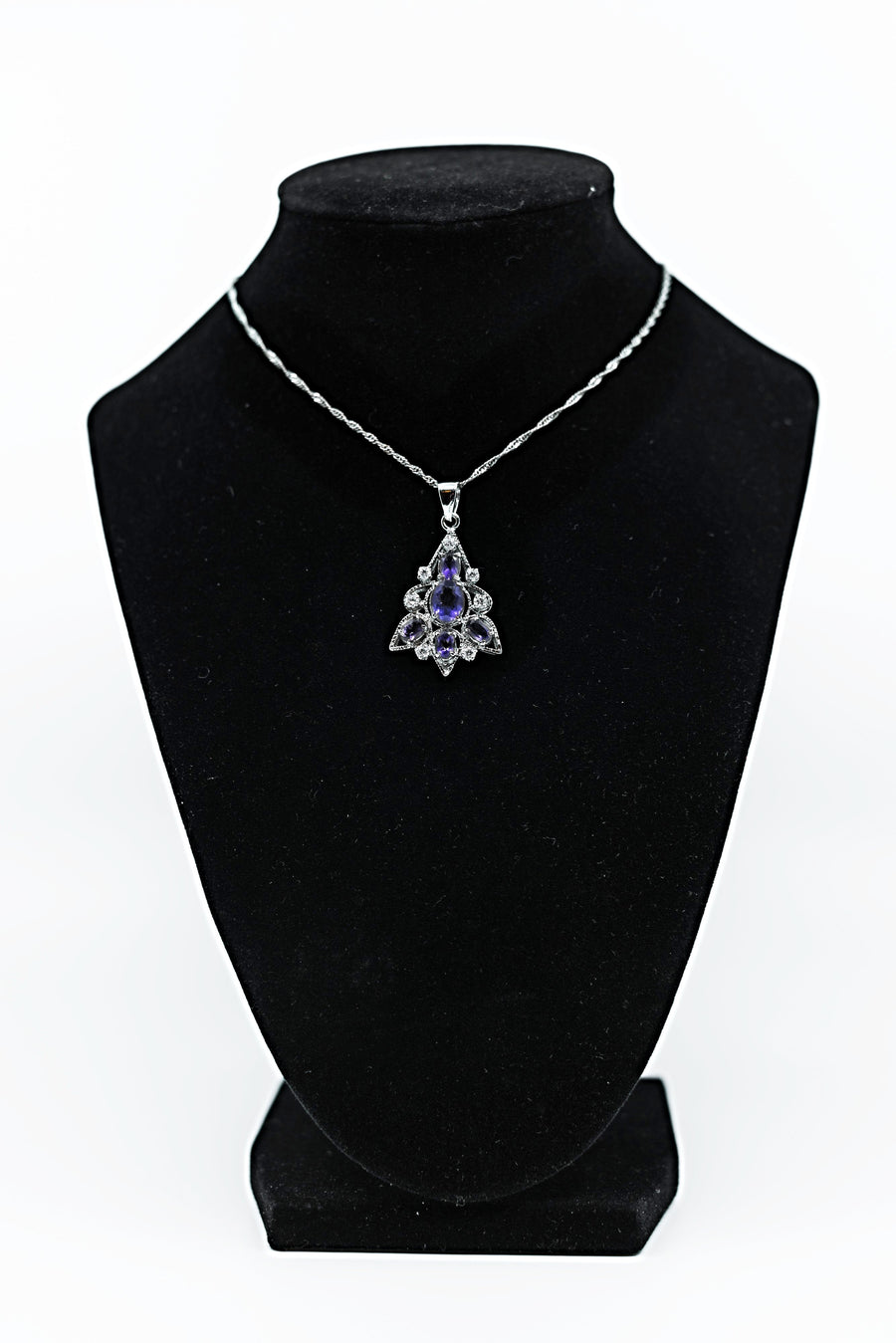 Purple Amathus Graduate Leaf Pendant with White Sterling Silver