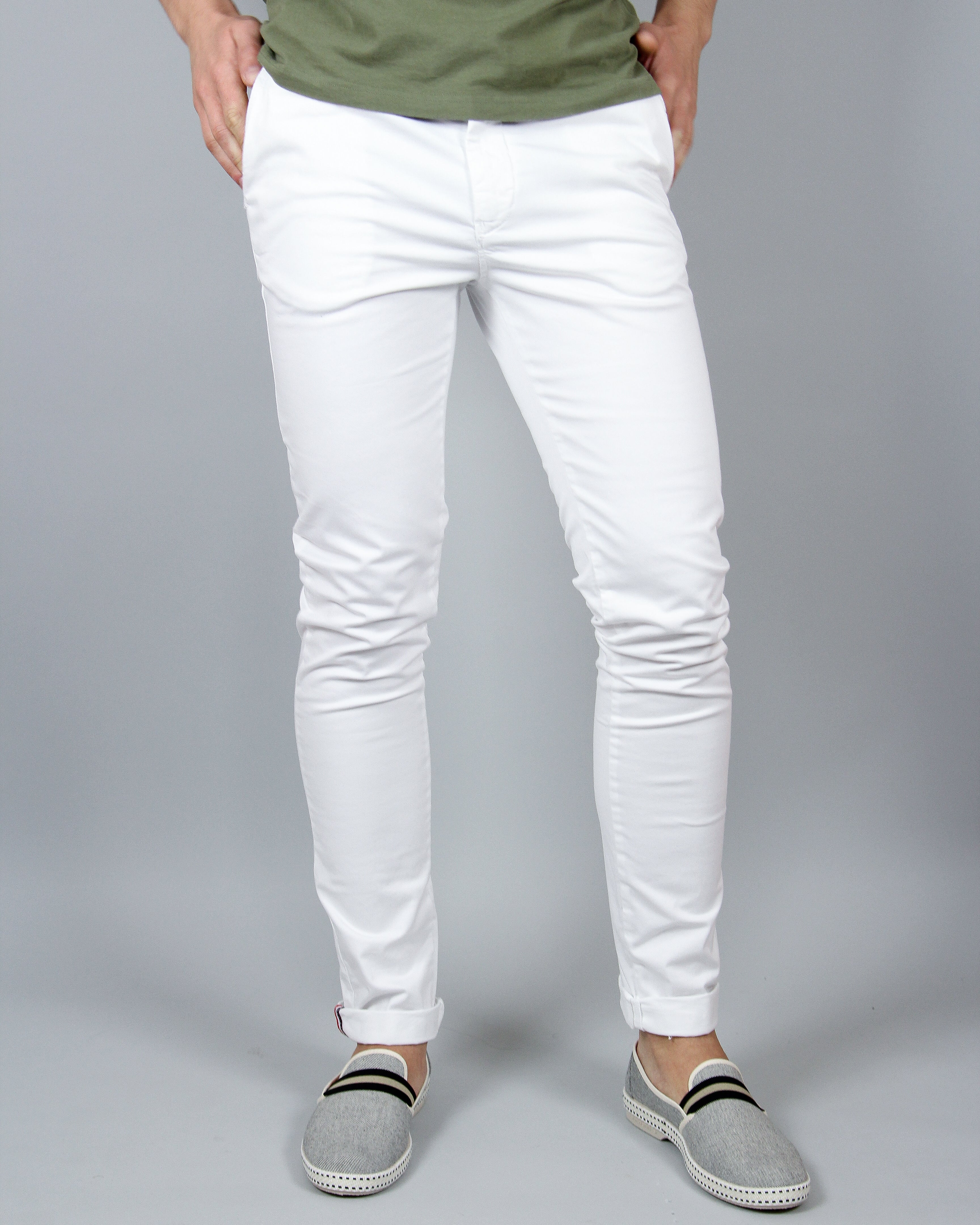 Hero Seven White Chino