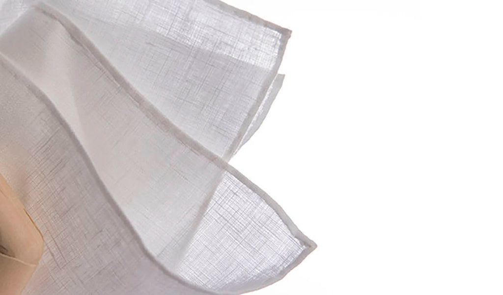 WHITE LINEN [OUR CLASSIC 100% BELGIAN LINEN POCKETSQUARE – ALWAYS IN STYLE.]