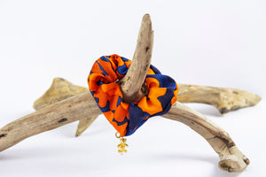 TORO Y PESCADO BRIGHT CAMO PRINT SILK SCRUNCHIE WITH TEDDYBEAR CHARM