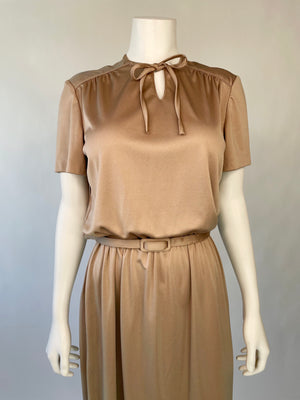 1970's Brown Poly Keyhole Midi Dress