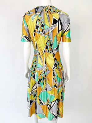 1960's Psychedelic Dagger Collar Dress