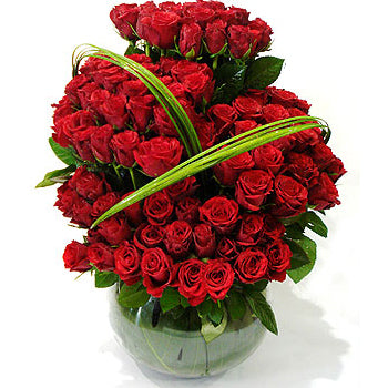 150 Red Roses Arrangement - D'Decorations Flower Shop | Floreria