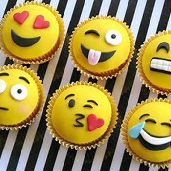 12 Dozen Emoji Cupcakes - D'Decorations Flower Shop | Floreria