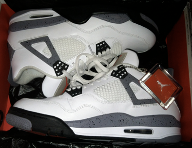 "New Air Jordan 4 ""White Oreo"" Sneakers Have Been Officially Unveiled"