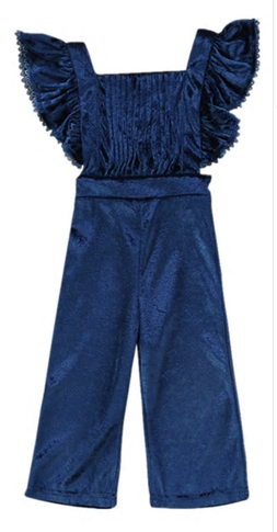 This Gorgeous crushed velvet blue romper is a Fall must have! The sleeves are fluttered which gives it a dramatic look and the back criss crosses. This can be worn without anything underneath or with a flowy top!