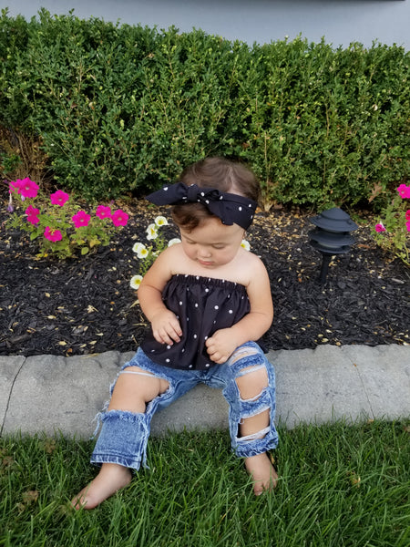 The Kelly Kapowski is the most adorable lil diva outfit we've seen come through our site. This precious two piece baby girl set comes with strapless top, ripped jeans and tie headband. This is the perfect combo of edge and sass. We love this outfit for our mini fashionistas.