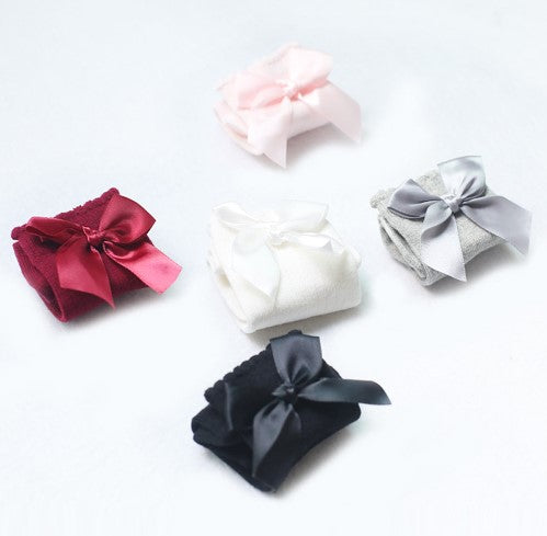 knee high cotton sock with bows for little baby and toddler girls