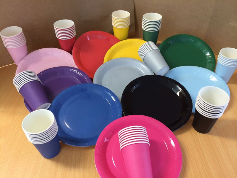 coloured_plates_and_cups_QXQAWWYNMDM7.JPG
