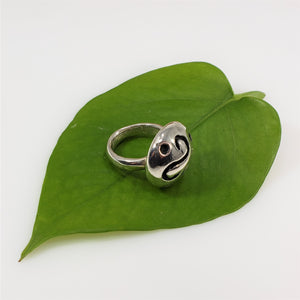 over sized swirl dome ring