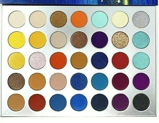 S.he Makeup Chasing Fantasy Galaxy Eyeshadow Palette