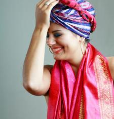 Ways to Wear and Tie Head Scarves