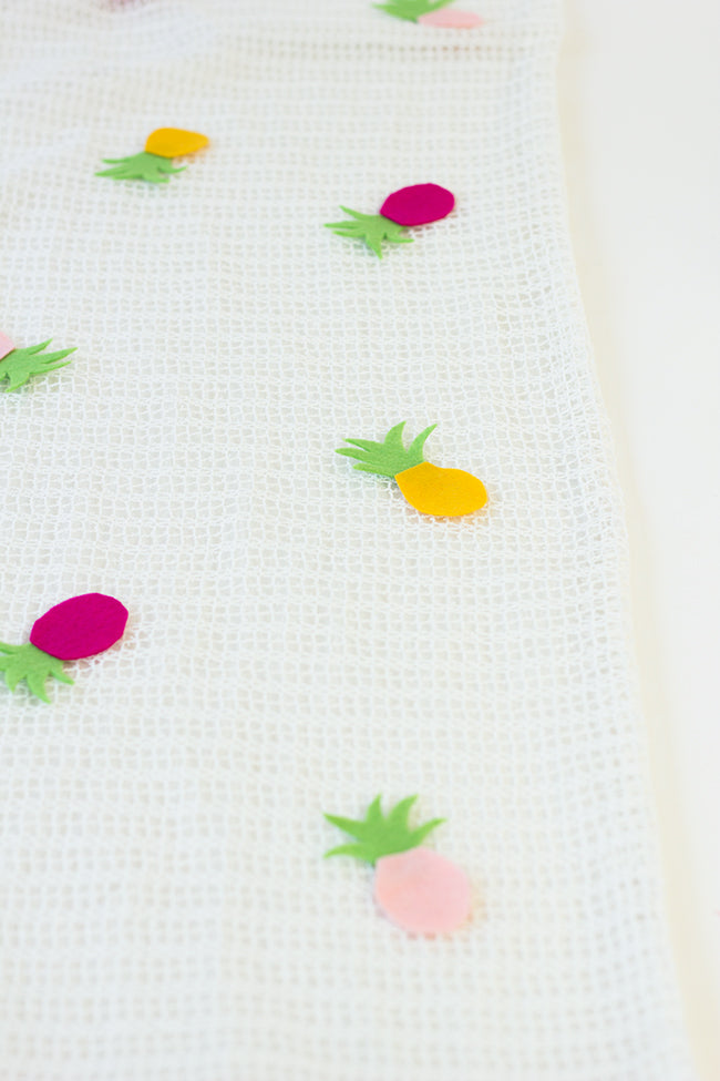 DIY Pineapple Table Runner Step 3b