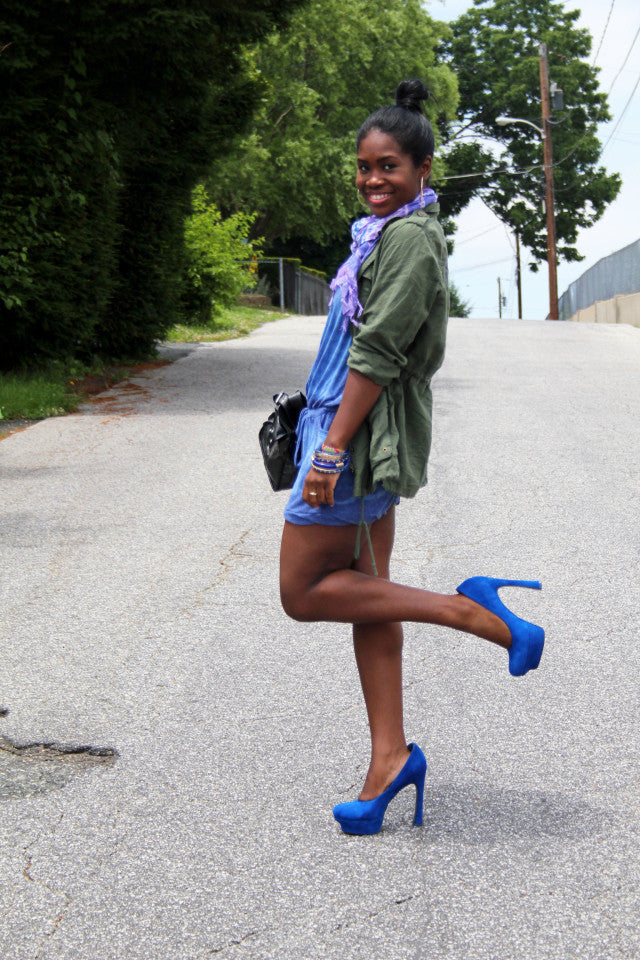 Taliah from Fashion Was Here on one leg