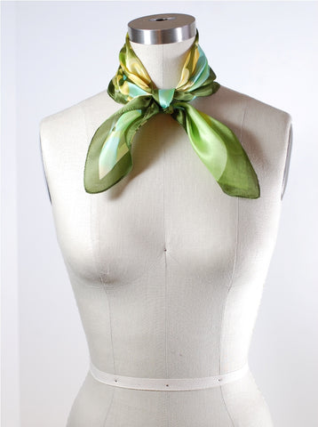 How to Tie a Scarf Pan Am Neck Knot scarvesnet