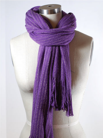 loop and stuck scarf knot