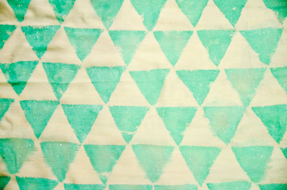 DIY triangle printed scarf