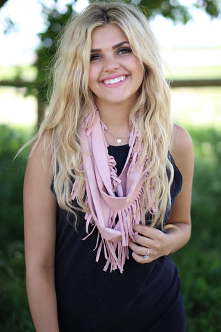 Daisy Western Scarf Pink With Model