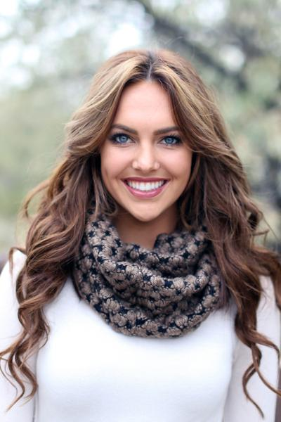 Trudy Popcorn Knit Infinity Scarf Brown With Model