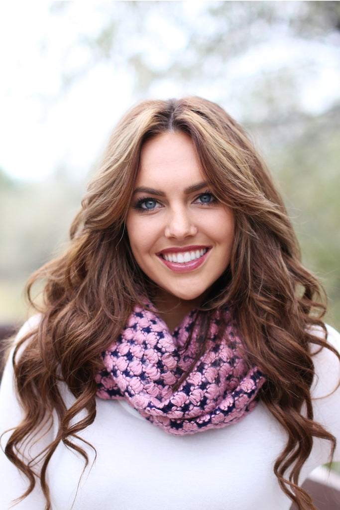 Trudy Popcorn Knit Infinity Scarf Pink With Model