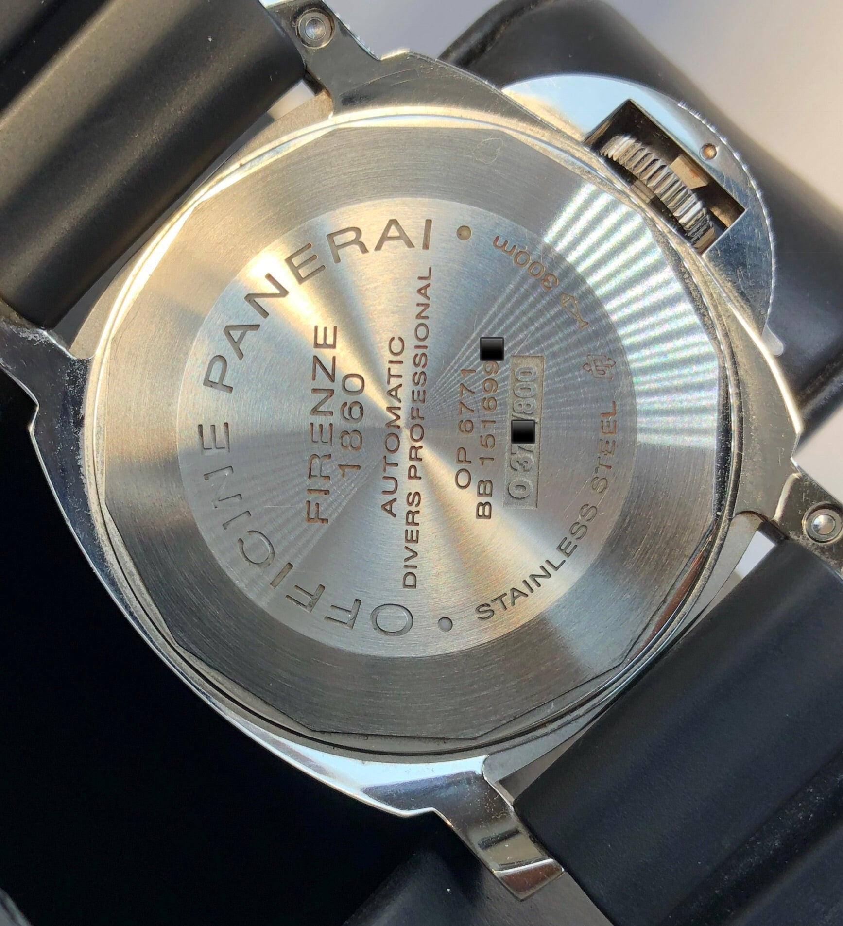 Panerai Luminor Submersible PAM00024 - Knight Watch Collection 6d4ad066bc7e