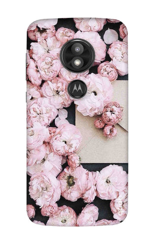 Roses All Over Motorola Moto E5 Play Cases & Covers Online