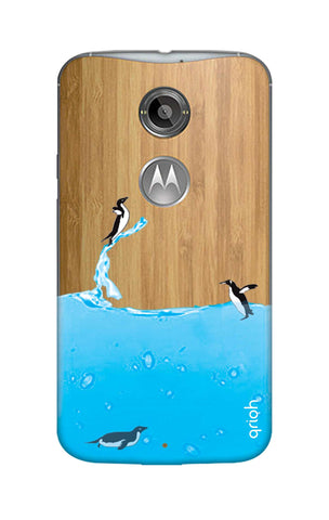 Penguins In Water Motorola Moto X2 Cases & Covers Online