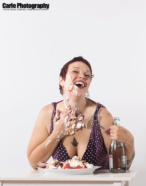Get messy, these sets include: cake smash, milk, water, dripping wine.