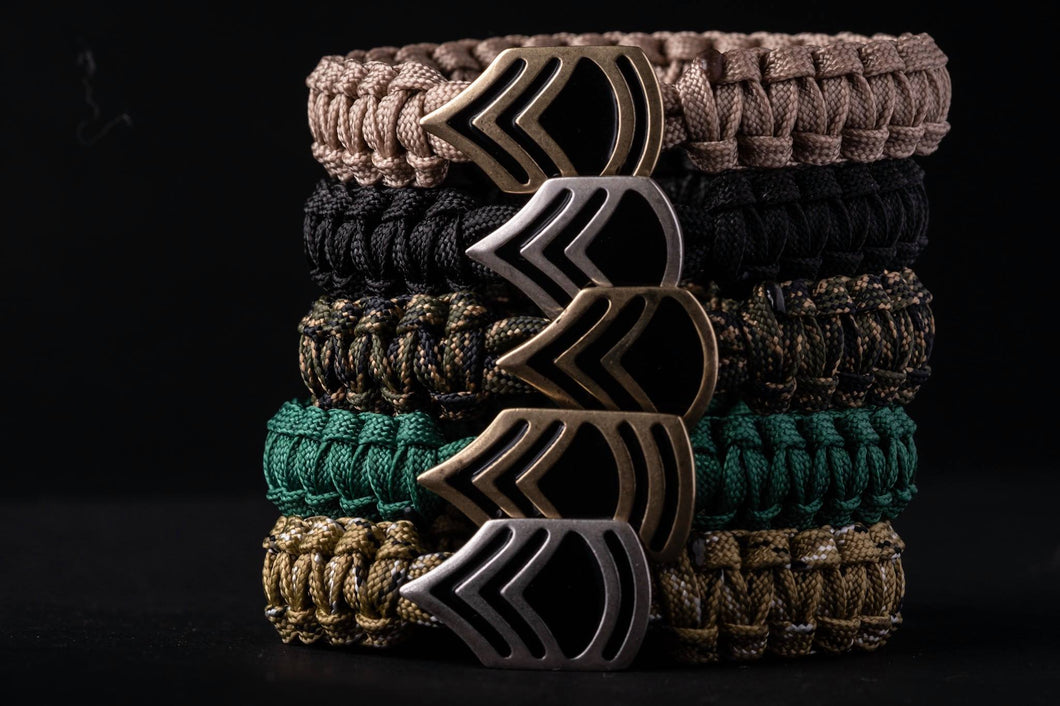 Knitted paracord bracelet (No closing)
