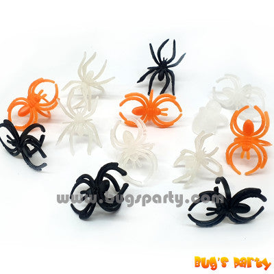 Halloween treat or trick, finger ring with orange, white and black spider