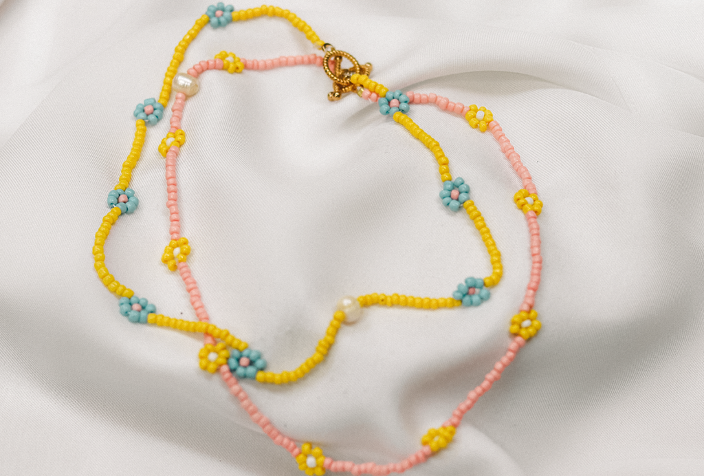 Daisy chain Necklace Yellow