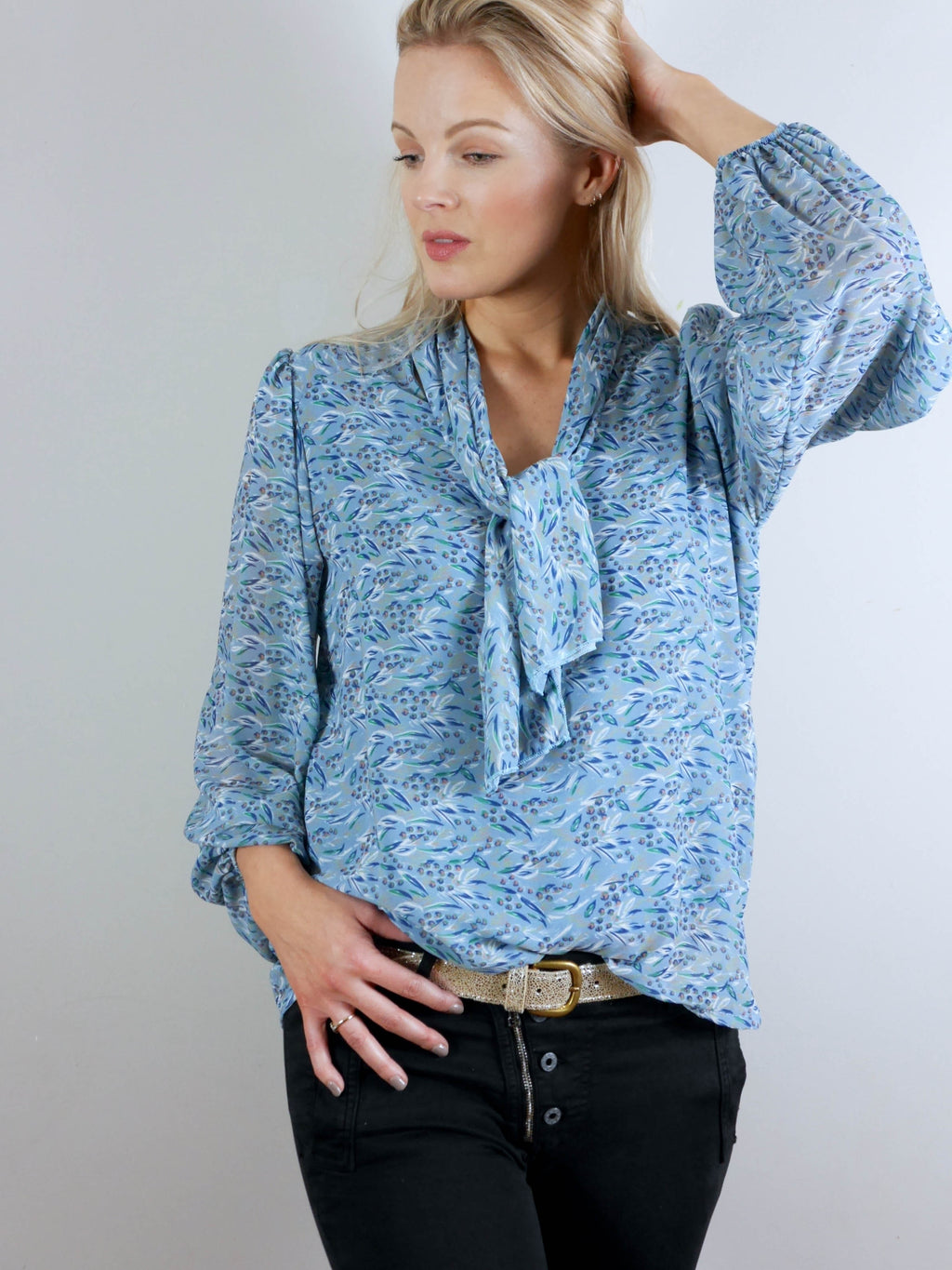 Anatasia Blouse Blue