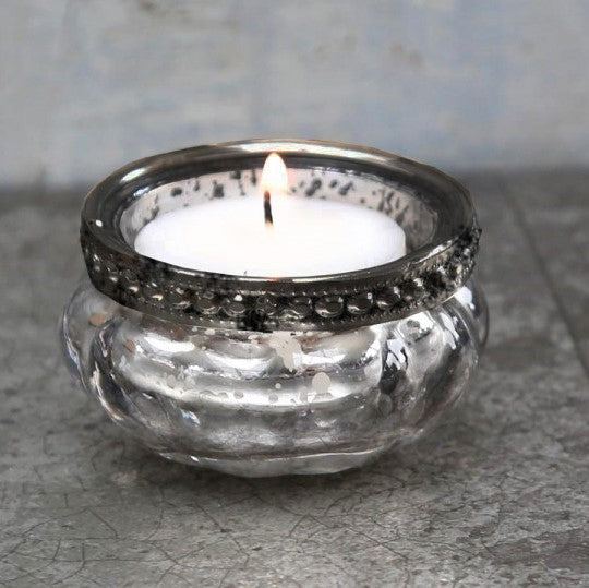 Chic Antique Tealight with Pearl Edge