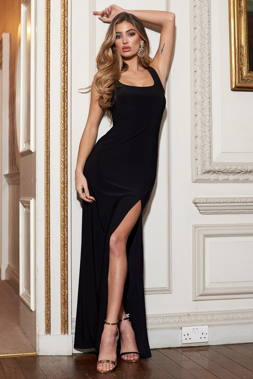 Black Sleeveless Thigh Split Maxi Dress - Club L London