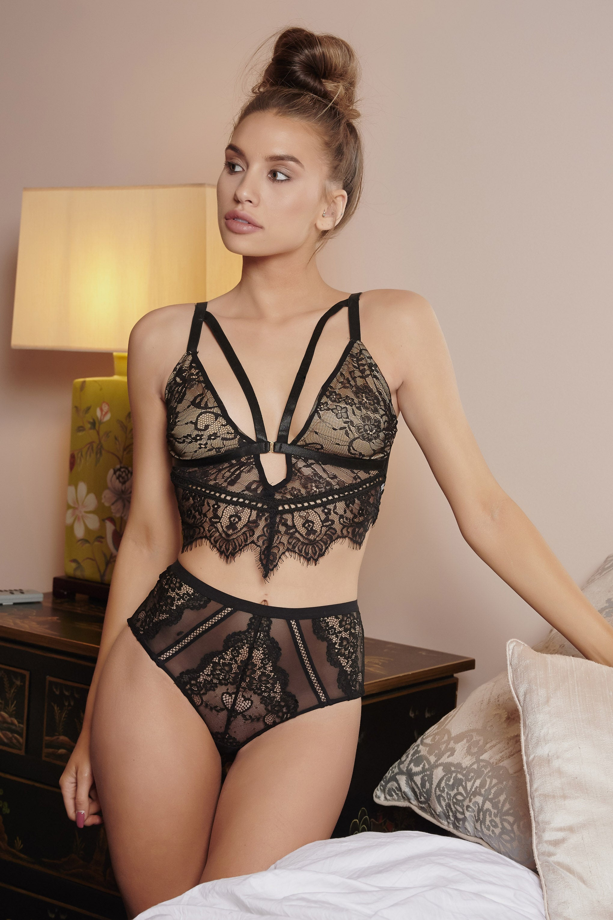 4883ffc956587 Black Frill Seeker Lace Bralette – Club L London