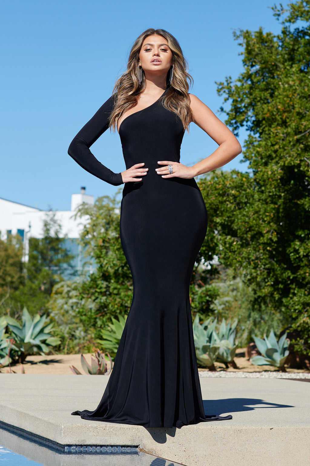 Black One Shoulder Fishtail Maxi Dress - Club L London